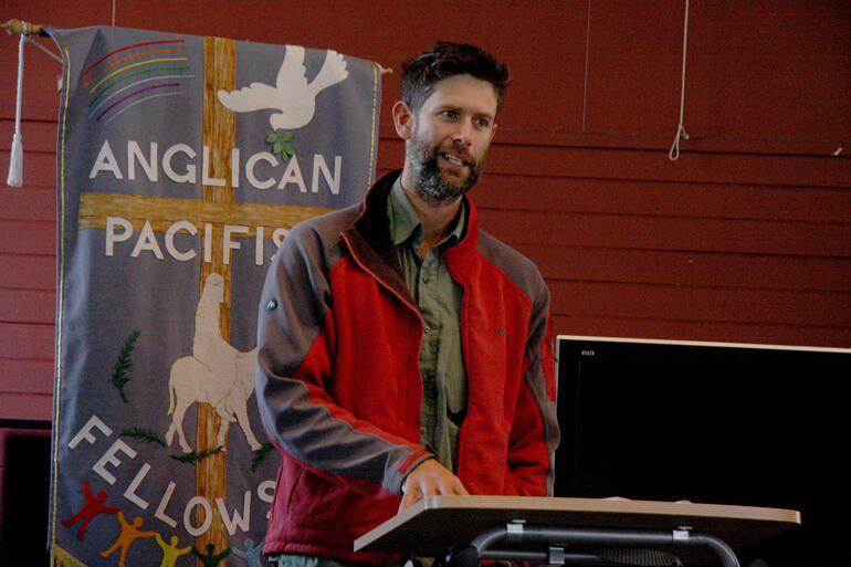 Rev Jolyon White addresses the Anglican Pacifist Fellowship conference on peacemaking strategies in 2018.