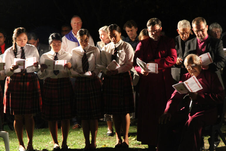 Hukarere girls pray alongside Abp Philip Richardson, Bishop Katene Eruera, Bishop Andrew Hedge and Archbishop Brown Turei.