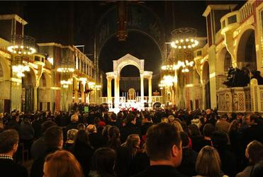 London Kiwis gather for the Christchurch vigil at Westminster Cathedral. Photo: Luton Anderson