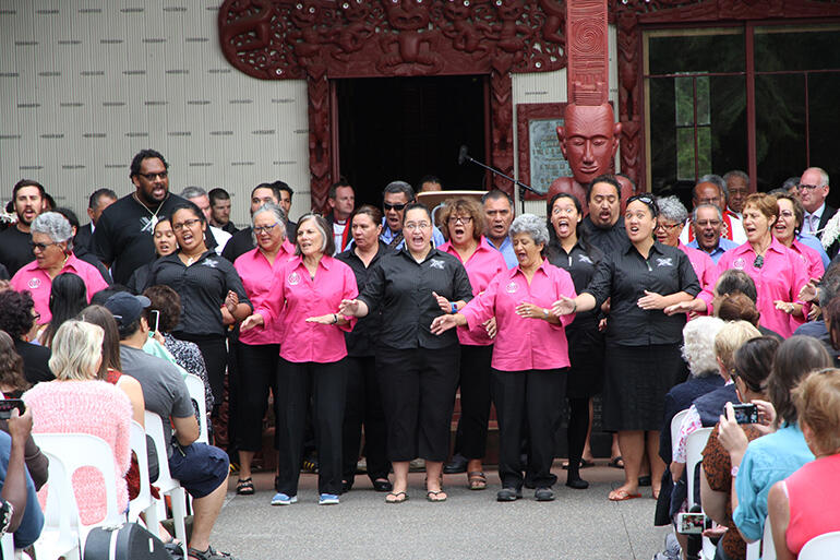 The combined Hatea/Auckland Anglican Maori Club gets proceedings under way at the 9am service.