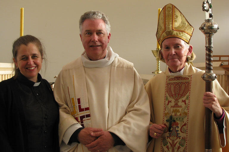 Rev Anne van Gend, Executive Director of the Anglican Schools Office, Dean Lawrence and Bishop Victoria. Anne preached at the service.