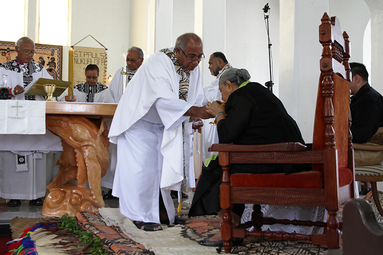 Here's Joe serving the chalice to the Tongan Queen Mother, Her Majesty Queen Halaevalu Mata'aho, at the rededication of St Paul's Nuku'alofa.