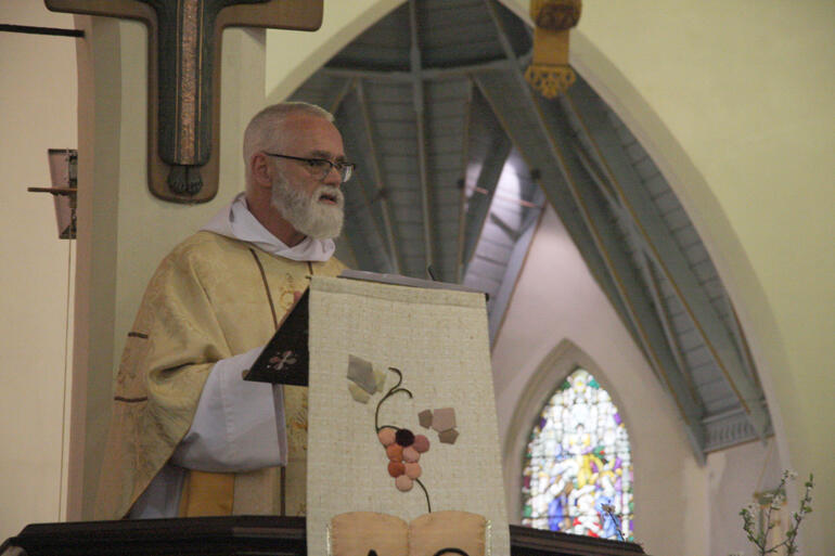 Bishop Jim White preaches on Saint Clare's example of a life lived for God in service of the Kingdom.