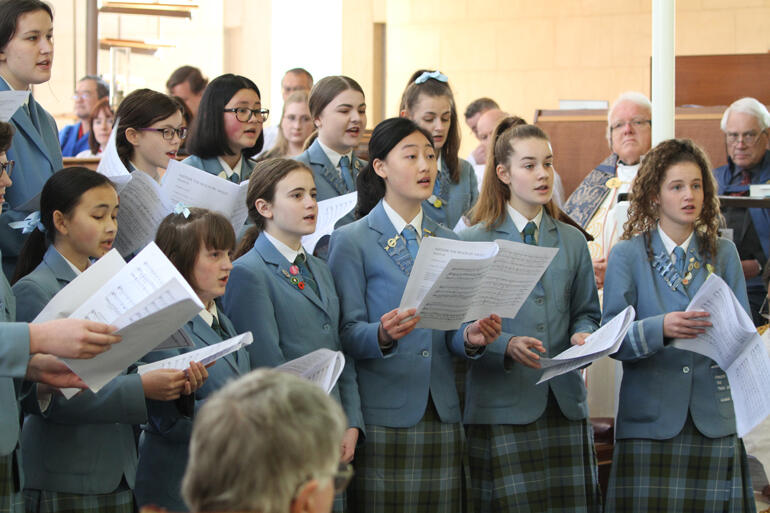 St Hilda's Collegiate choir sing 'Neither the moon by night' from Psalm 121 by Thomas Lavoy.