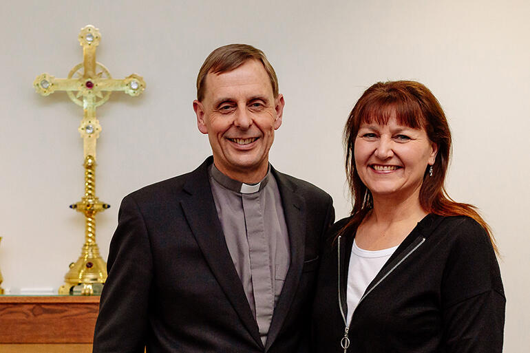 Bishop-elect Peter Carrell and his wife, Teresa Kundycki-Carrell. All photos by Mandy Caldwell.