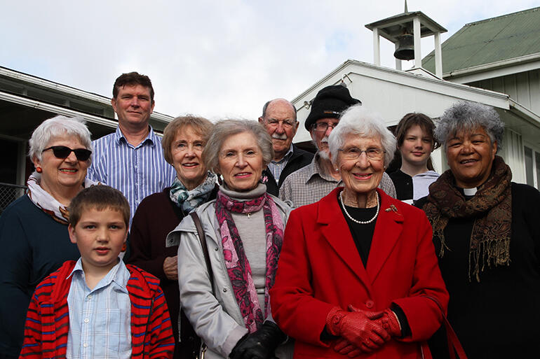 Outside the church foyer. L-R: Di; Logan (foreground); Tim; Suzanne; Ann; Frank; John (obscured); Alice; Shannan and Jacyntha.