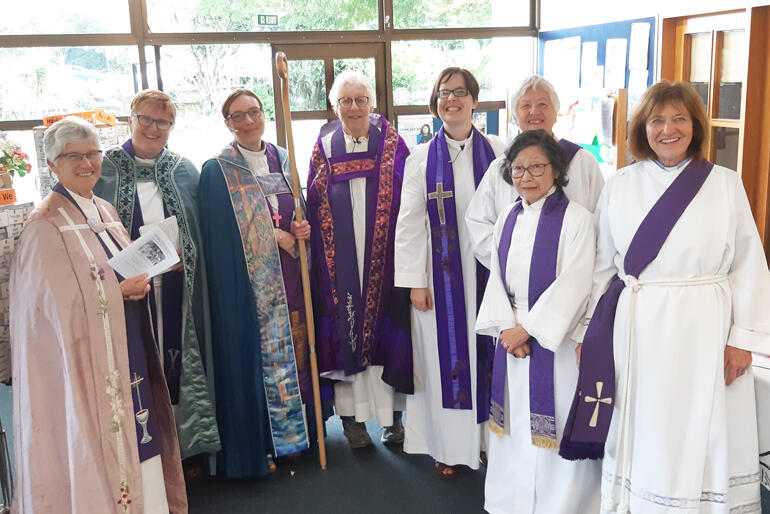Bishop Penny Jamieson (4th from left) wears the cope celebrating Anglican women leaders, flanked by +Eleanor Sanderson and Welllington clergywomen.